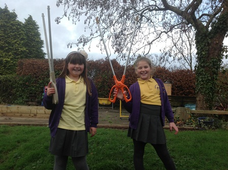 evie_olivia_litter_pickers